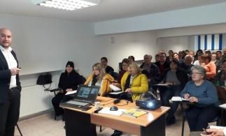 Noutățile fiscale în domeniul impozitării microîntreprinderilor, dezbătute la Vâlcea