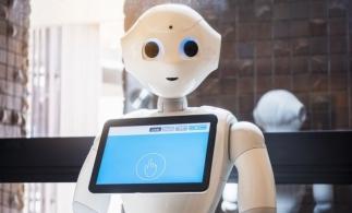Studenți reprezentați de roboți la ceremonia de absolvire a unei universităţi din Tokyo