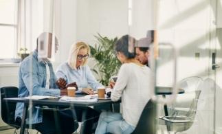 Sondaj CNIPMMR: 30% dintre antreprenori estimează o diminuare a cifrei de afaceri cu peste 70% în urma instituirii stării de urgenţă