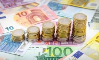 Rezervele internaționale ale României (valute plus aur), 38,417 miliarde de euro, la 30 aprilie