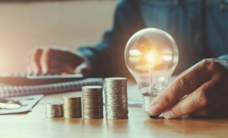 IEA estimează o scădere-record de 20% a investițiilor în energie, în 2020