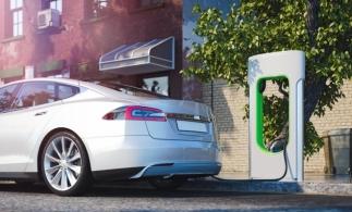 """PwC: Mașinile """"verzi"""" câștigă teren în preferințele europenilor; vânzările din trimestrul al treilea au crescut cu 128%"""
