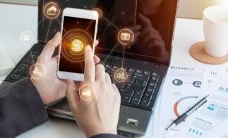 Băncile digitale se grăbesc să cucerească următoarea generaţie