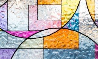 Transparență, rafinament, imaginație fără limite la Salonul Internațional al Sticlei