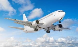 """Bloomberg: Companiile aeriene ar putea renunța la clasa business pentru mai multe locuri în zona """"premium economy"""""""