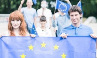 Majoritatea cetăţenilor români au o imagine pozitivă faţă de Uniunea Europeană