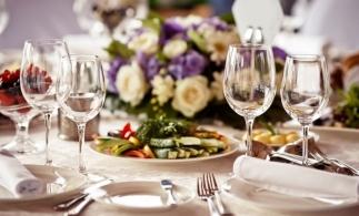 Au fost stabilite măsurile de protecție sanitară care se aplică, începând de marți, 1 septembrie, pentru clienții restaurantelor și ai cafenelelor