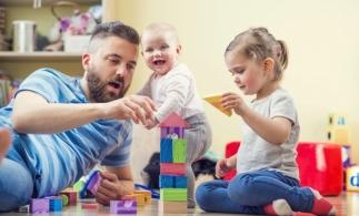 ANPIS: Aproape 181.000 de persoane au beneficiat, în iulie, de indemnizaţii pentru creşterea copilului