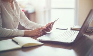 Preşedintele Iohannis a promulgat Legea privind facturarea electronică în domeniul achizițiilor publice
