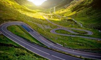 CNAIR: Circulaţia pe Transfăgărăşan, închisă sâmbătă, 12 septembrie, ca urmare a desfăşurării unei competiţii de ciclism
