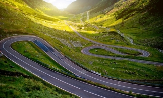 CNAIR: Transalpina se închide sâmbătă și duminică, pe un sector de drum de 3 km, pentru Campionatul Naţional de Drift
