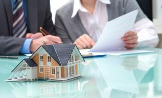 Preşedintele Iohannis a promulgat legea care modifică plafonul de preţ pentru care se aplică o cotă redusă de TVA de 5% la livrarea locuinţelor sub 120 mp