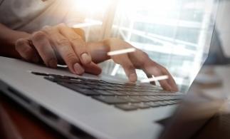 Studiu: Managerii de top din Europa susţin introducerea învăţării digitale şi pe platformele colaborative