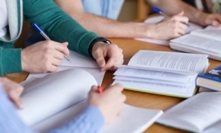 MEC: Continuă debirocratizarea activităţii din învăţământul preuniversitar