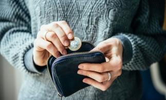 OIM: Criza provocată de pandemie a afectat, la nivel global, salariile femeilor