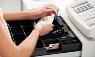 Din 8 ianuarie 2021, operatorii economici care nu utilizează aparate de marcat cu jurnal electronic vor fi sancţionaţi cu amendă şi suspendarea activităţii