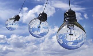 ANRE informează consumatorii ce paşi trebuie să facă pentru a-şi schimba contractul la energie