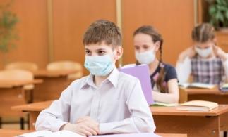 CNSU: Cele trei scenarii în funcție de care elevii merg sau nu fizic la școală din 8 februarie