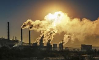 Principalele companii generatoare de emisii, departe de a se fi aliniat Acordului de la Paris privind încălzirea globală