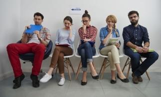 eJobs: Tinerii fără experienţă şi entry level, cele mai multe aplicări pentru un job, în februarie