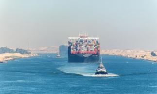 Șeful Autorității Canalului Suez estimează la un miliard de dolari pierderile provocate de blocarea navei Ever Given
