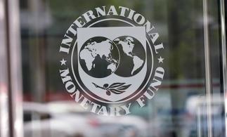 FMI: Economia mondială se redresează, dar ar putea fi afectată de majorarea ratelor la dobânzi