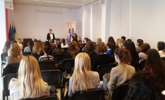 Dialog cu studenți și masteranzi ai Universității Transilvania