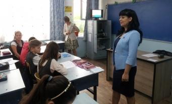 """Filiala CECCAR Dâmbovița: Lecție de educație financiară la Școala gimnazială """"Matei Basarab"""" din Târgoviște"""