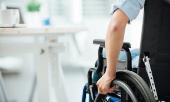 Valoarea sprijinului financiar pentru persoane cu dizabilități va fi majorată de la 1 ianuarie 2018