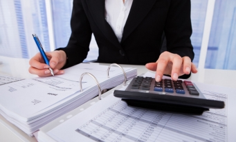 Firmele vor putea transmite în REVISAL modificarea salariului de bază brut până la 31 martie 2018, în contextul trecerii contribuțiilor de la angajator la angajat