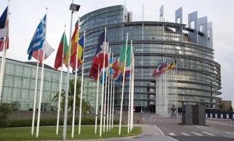 UE: Ţinte obligatorii de 35% eficiență energetică și 35% energie din surse regenerabile în consum, până în 2030