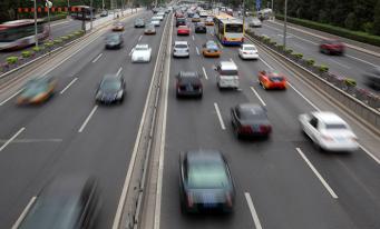 CNAIR: Licitaţie de peste 110 milioane lei pentru reducerea zgomotului generat de traficul rutier