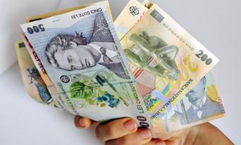 Câștigul salarial mediu nominal net, 2.704 lei în luna martie