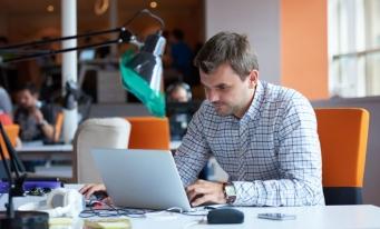 Eurostat: România, cel mai semnificativ ritm de creştere a numărului de angajaţi, în T1