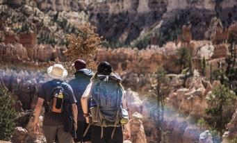 O mai bună protecție a turiștilor europeni prin noile norme adoptate de UE.Reglementările se aplică de la începutul lunii iulie
