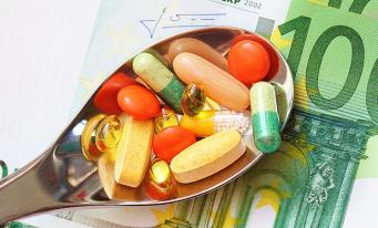 Studiu: O gospodărie cheltuiește, în medie, lunar, 70 lei pe produse farmaceutice