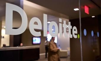 Studiu Deloitte: Până în 2030, peste jumătate din cei 1,8 miliarde de tineri din întreaga lume riscă să devină inadaptați la piața muncii în cea de-a patra revoluţie industrială