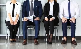 Sondaj: Peste jumătate dintre specialiştii în recrutare verifică la angajatorii anteriori candidații pentru un job