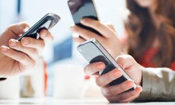 Sondaj: Două treimi dintre utilizatorii de comunicaţii electronice ştiu că reţelele sau dispozitivele folosite pot emite radiaţii