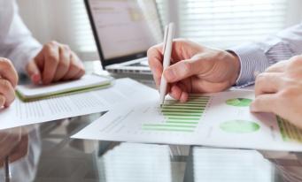 IFAC: Performanța și managementul financiar, factorii-cheie pentru supraviețuirea întreprinderilor mici și mijlocii într-un mediu volatil