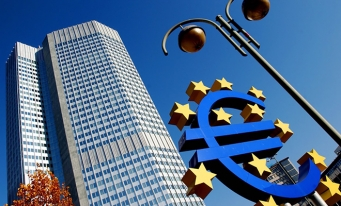 """Preşedintele BCE cere acţiuni fiscale pentru combaterea """"şocului major"""" cu care se confruntă economia globală"""