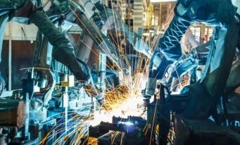 Prețurile producției industriale au scăzut mai puțin în România decât pe ansamblul UE, în iunie