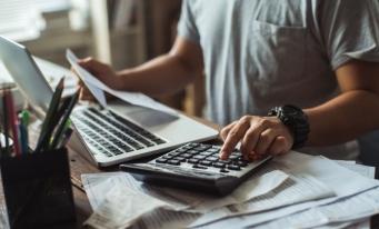 IFAC: Profesioniștii contabili contribuie semnificativ la dezvoltarea economică