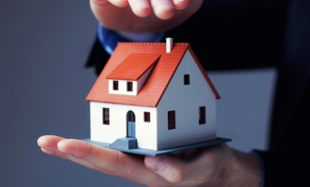 Sondaj: Românii sunt nemulţumiţi de casele lor şi subestimează riscurile care le ameninţă locuinţele
