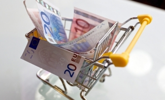 România, cel mai semnificativ declin din UE al cheltuielilor alocate de gospodării pentru locuinţă