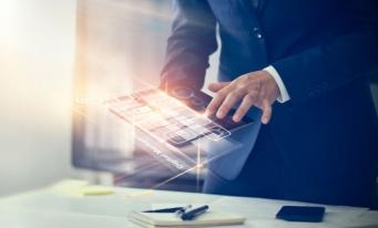 Sondaj: Transformarea digitală în industria financiară trebuie finalizată în următorii doi ani