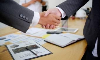 Deloitte: Activitatea de fuziuni și achiziții s-a menținut la un nivel semnificativ în 2020, în pofida contextului general fără precedent