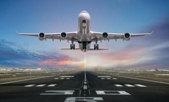 INS: Transportul aerian de pasageri a scăzut în România cu 69% în 2020