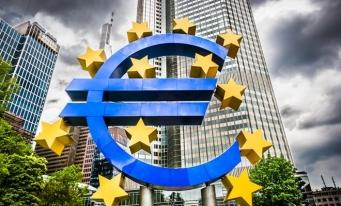 BCE: Băncile din zona euro înăspresc accesul la creditare în trimestrul doi