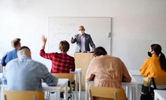 """CECCAR Brăila: Avantajele unei cariere în domeniul financiar-contabil, prezentate studenților Universității """"Constantin Brâncoveanu"""""""
